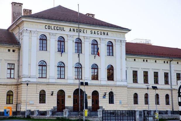 """Colegiul Naţional """"Andrei Şaguna"""" din Braşov – pe primul loc în ţară, în urma Evaluării  Naţionale"""