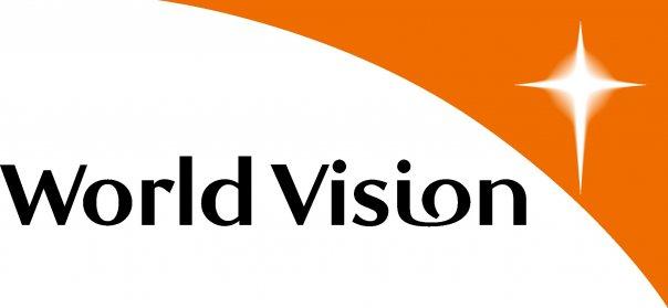 World Vision România cere respingerea proiectului ce limitează dreptul elevilor de a primi laptop sau tabletă