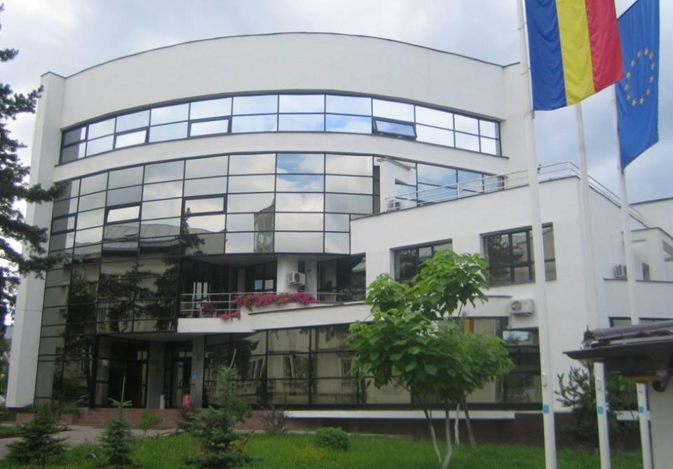 """Absolventă a Școlii Doctorale de la FSEAP de la Universitatea """"Ștefan cel Mare"""" din Suceava, premiată de Academia Română"""
