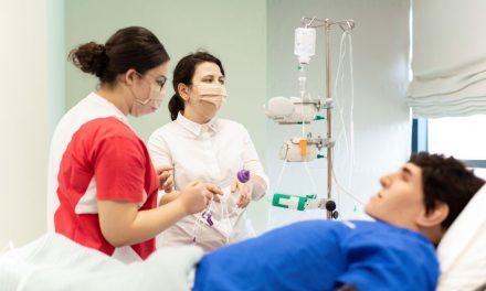 Academia Europeană pentru Asistenți Medicali organizează un eveniment de admitere pe loc la programul de licență dezvoltat în parteneriat cu Universitatea Coventry