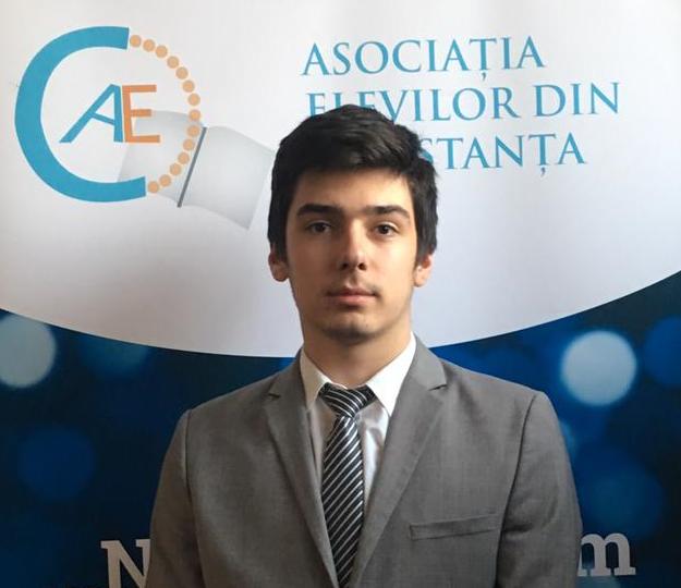Andrei Mihai Tănase (AEC): Elevii ar putea circula gratuit de la 1 septembrie doar pe baza carnetului