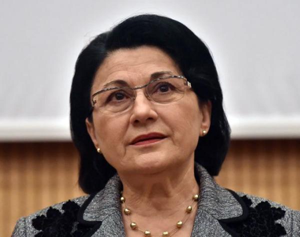 Ecaterina Andronescu: Cred că putem să lansăm drafturile celor trei legi ale învăţământului după alegeri