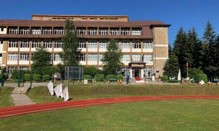 Şcoală-pilot la Sinaia: Elevii vor avea cursuri de leadership, public speaking şi dezvoltare personală