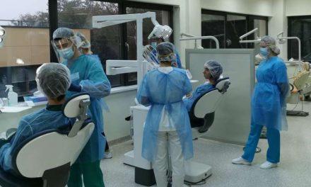 Mureş: Cea mai modernă bază românească de învăţământ stomatologic, furnizor de servicii medicale decontate de CAS