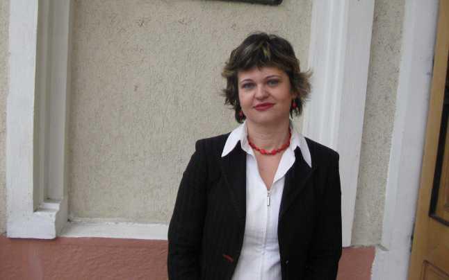 O profesoară de istorie din Focşani le predă elevilor lecţiile on-line pe durata suspendării cursurilor