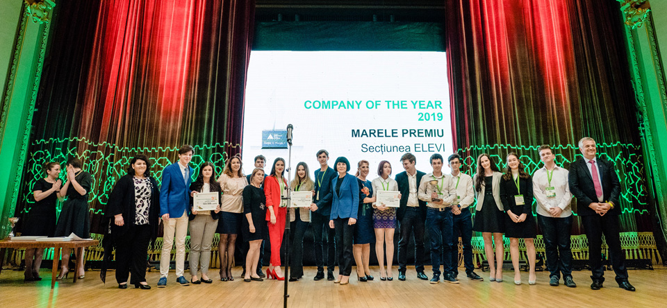 Elevii și studenții antreprenori au fost premiați la Gala JA Hall of Fame – Investește în Educație!