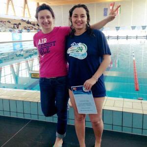 O studentă de la USAMV Cluj-Napoca este prima femeie din România care a înotat timp de 24 de ore