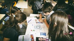 """3.500 de elevi de gimnaziu și liceu învață să-și administreze corect resursele prin programul european """"Schimbăm vieți"""""""
