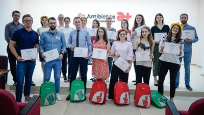 Compania Antibiotice pregătește viitorii performeri ai cercetării