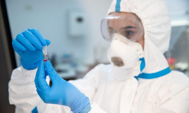 REGINA MARIA lansează programul Safe Classroom prin care oferă pachete gratuite de teste rapide antigen pentru școlile de stat
