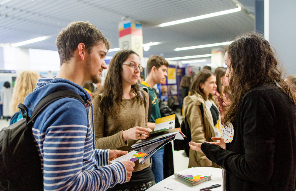 Peste 100 de universităţi vor fi prezente la RIUF – The Romanian International University Fair