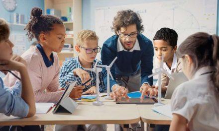 Noul raport PISA accentuează necesitatea consolidării educației digitale în Europa