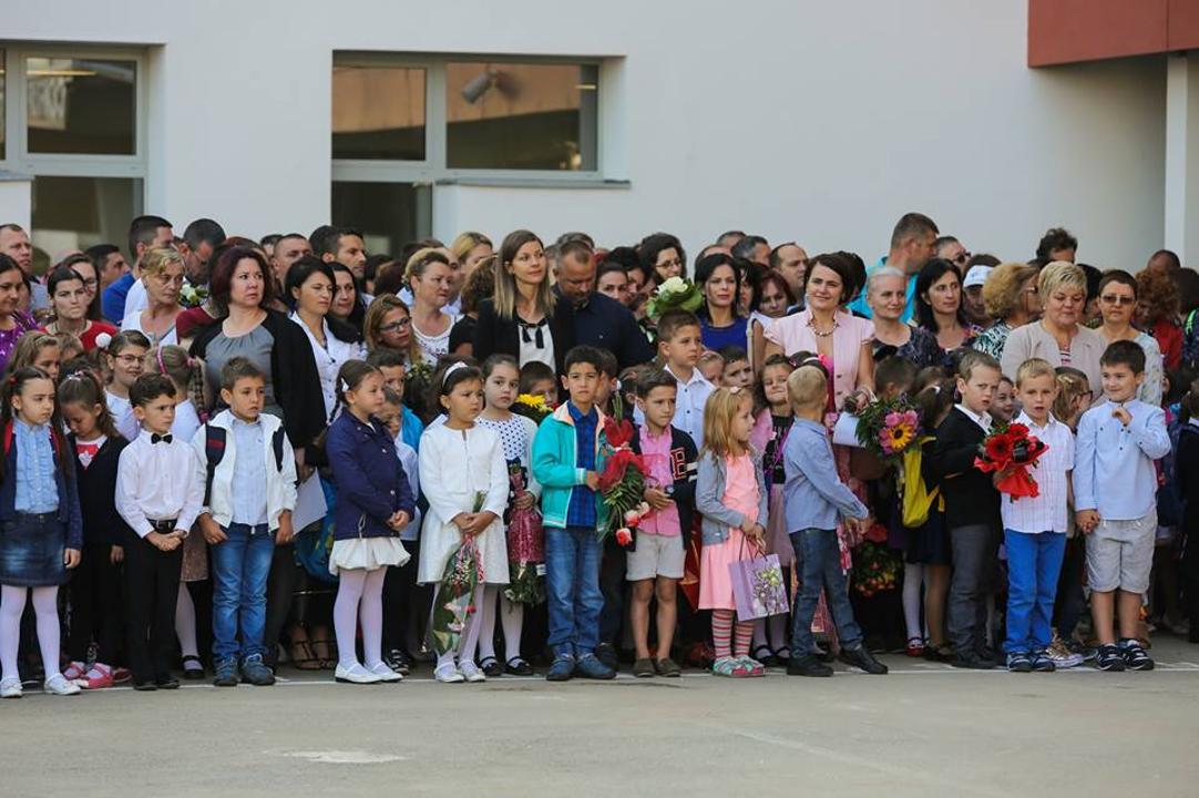 Asociaţia BookLand: opt din 10 școli din România au fost construite înainte de 1970 și au nevoie urgentă de reparații