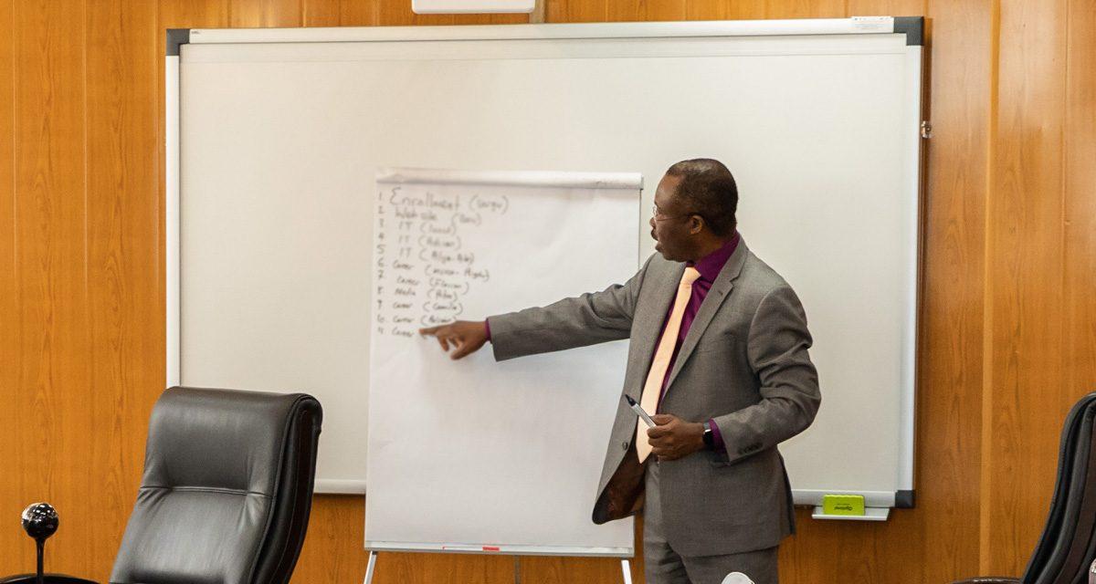 Training pe probleme de management educațional susținut de Profesorul Steve O. Michael la Universitatea Danubius