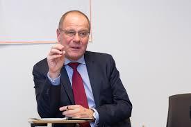 Comisarul european Tibor Navracsics: Cea mai mare problemă a sistemului de învăţământ românesc este subfinanţarea
