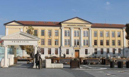 """Universitatea """"1 Decembrie 1918"""" Alba Iulia va avea cursuri online şi faţă în faţă"""