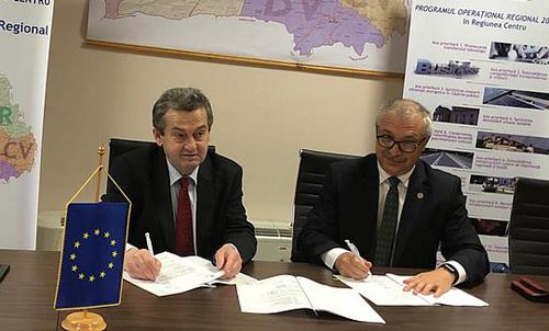 Peste 6,3 milioane euro pentru modernizarea spaţiilor educaţionale şi eficientizarea energetică, la UMFST Târgu Mureş