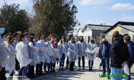 Studenții USAMV Iași au făcut cursul de agronomie în una dintre cele mai performante ferme de bovine din județ