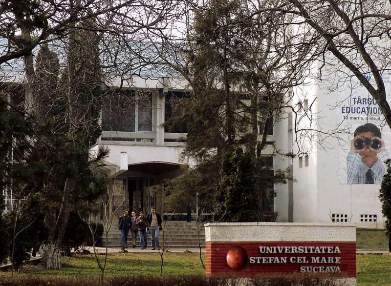Universitatea Suceava oferă elevilor consultaţii gratuite pentru bacalaureat şi admitere la facultate