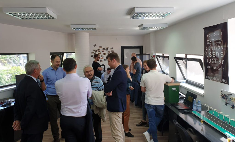 UTCN a inaugurat un laborator unic în România, care îi ajută pe studenţi să dezvolte prototipuri
