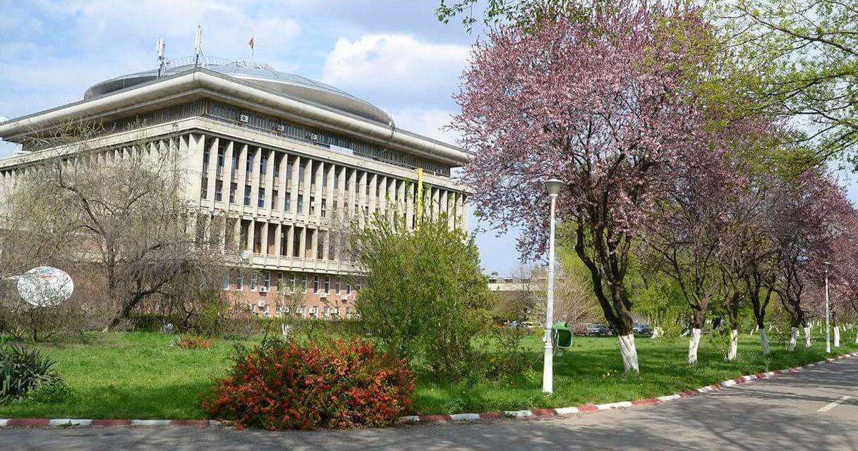 Peste 1.300 de cadre didactice din Universitatea Politehnica, vaccinate cu AstraZenaca