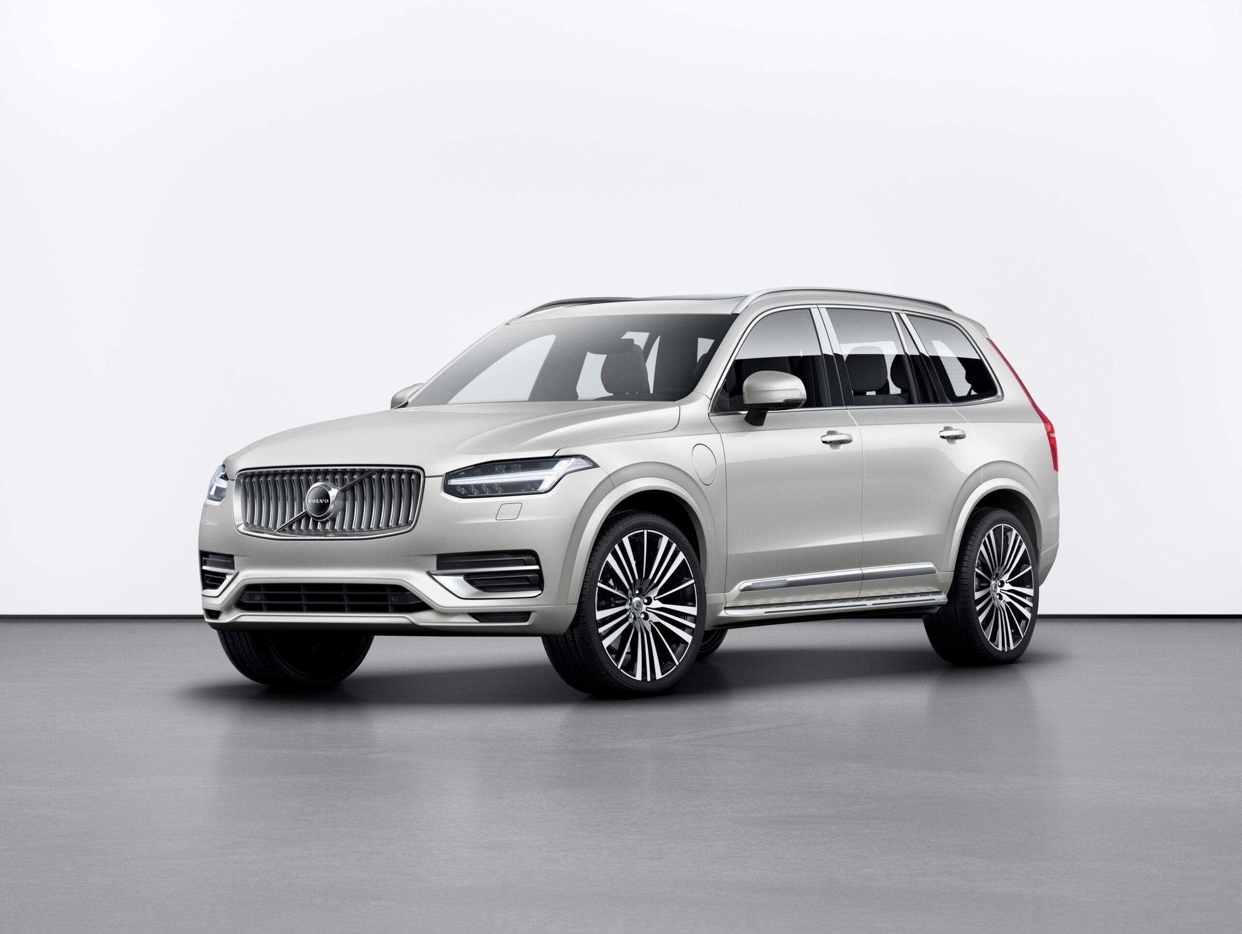 Faceți cunoștință cu modelele XC de la Volvo, programând un Test Drive la Premium Nordic Cars