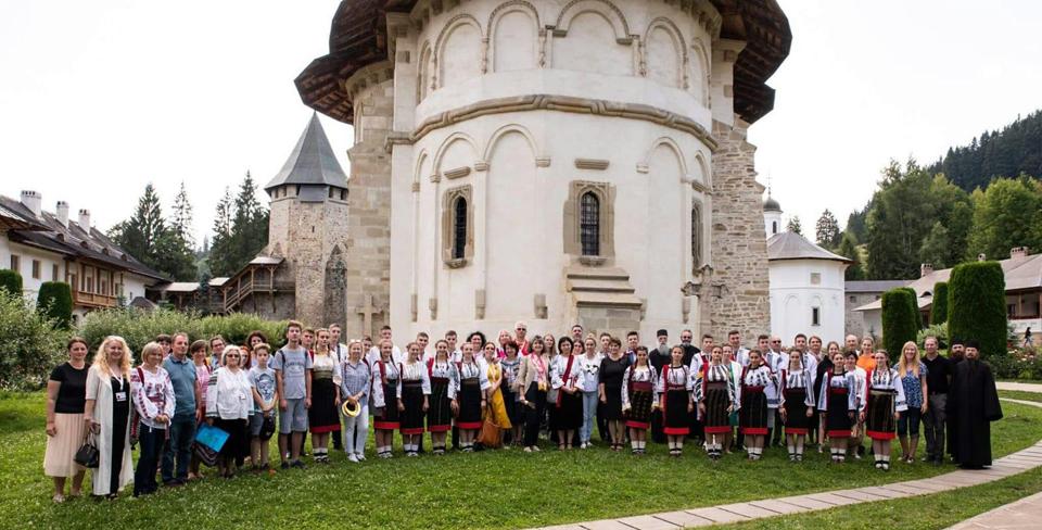 Peste 1.600 de studenți și cadre didactice au participat la evenimentele din cadrul manifestării AmbasaDOR DE BUCOVINA