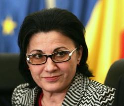 Ecaterina Andronescu: Fac apel la decani să verifice direct trecerea notelor din catalog în registrul matricol