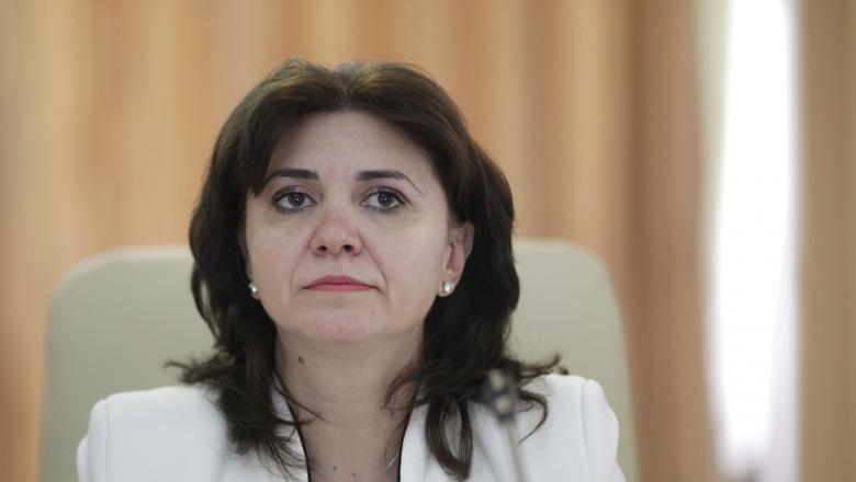 Monica Anisie: Obiectivul Ministerului, să asigure până în toamnă tablete sau laptop-uri elevilor care nu au astfel de dispozitive