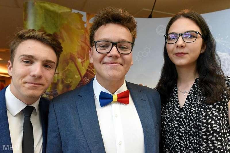 Trei medalii pentru echipa României la Olimpiada Internaţională de Biologie 2019