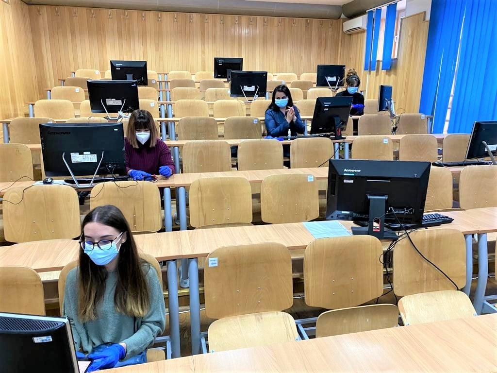 Universitatea Ovidius a organizat în campus un call-center cu studenţi  voluntari pentru anchete epidemiologice în cazuri de COVID-19