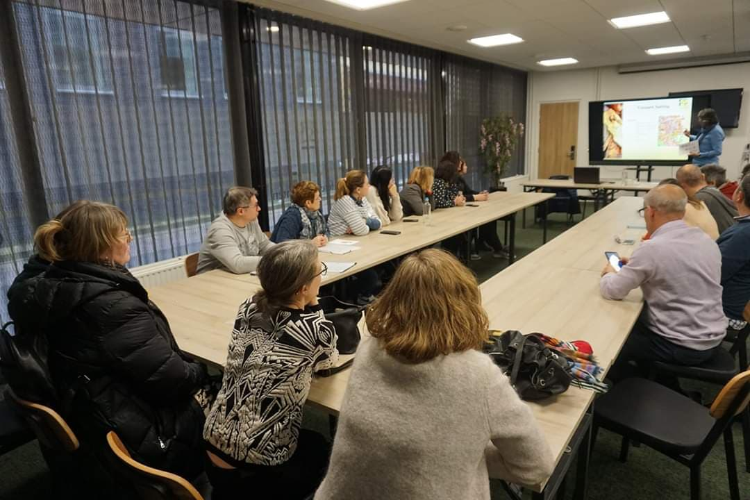 """Profesorii Colegiului Tehnic de Căi Ferate """"Unirea"""" Pașcani, într-o nouă experiență de dezvoltare profesională și personală în Olanda"""