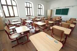 Sondaj FSLI: Peste 50% dintre angajaţii din educaţie cer să se investească bani în dotarea şcolilor