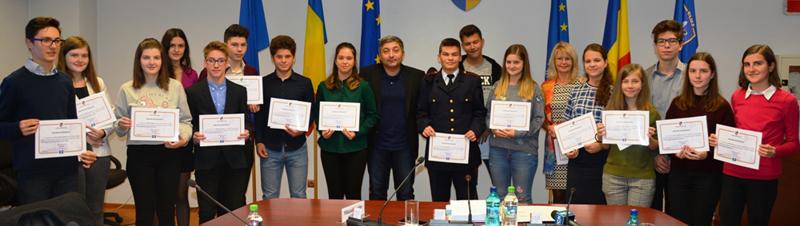 Elevii de nota 10 ai Clujului au fost premiați de Consiliul Județean