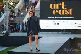 """Iaşi: Începe o nouă ediţie a Festivalului de Creaţie Vestimentară """"Art East"""", dedicat studenţilor"""