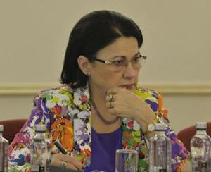 Ecaterina Andronescu: Cred că trebuie introduse criterii de performanţă şi pentru învăţământul preuniversitar