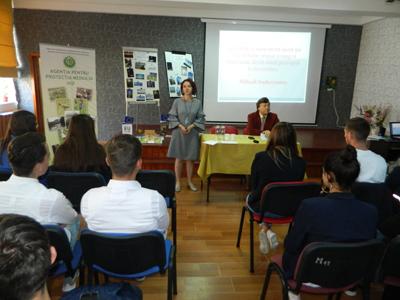 """O nouă activitate din cadrul concursului național Euroscola la Colegiul Tehnic C.F. """"Unirea"""" Pașcani"""