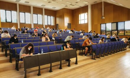 """UMF """"Iuliu Hațieganu""""organizează cursuri de pregătire și examen de simulare a admiterii"""