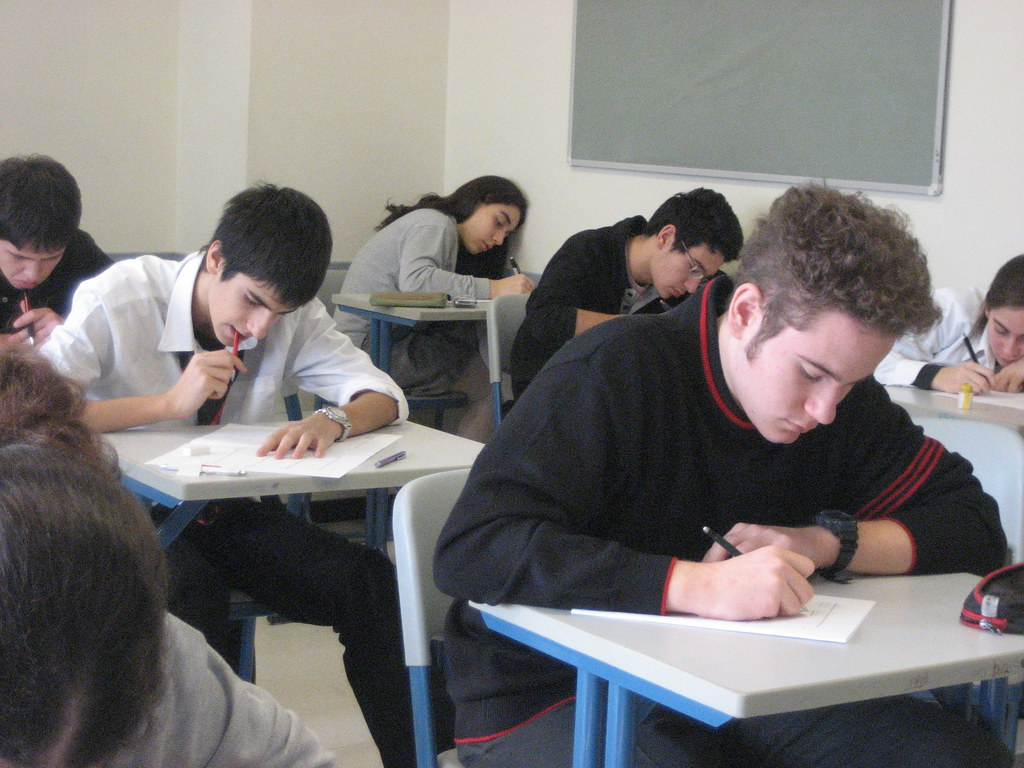 Ministrul Educaţiei anunță că pentru anul şcolar 2020 – 2021 sunt suspendate tezele