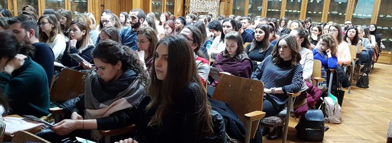 """Programul """"Farmacia Viitorului"""" a fost prezentat studenților de la UMF """"Carol Davila"""""""