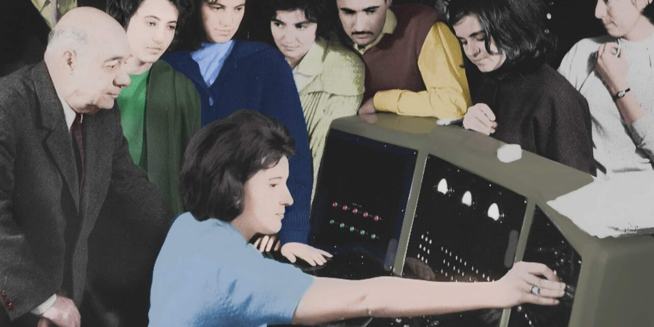 "Au fost postate online volumele I-IV din ""Istoria Informaticii Românești"" în Biblioteca CRIFST a Academiei Române"