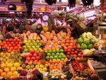 Fructe, legume, lapte, produse lactate şi de panificaţie în noul program pentru şcoli aprobat de Guvern