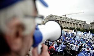 Profesorii ameninţă cu proteste începând din 2 octombrie