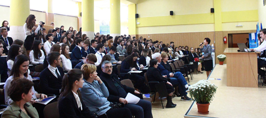 200 de elevi au participat la IașiMUN ediția 2016