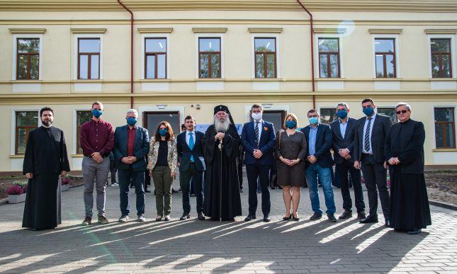 Noi sedii pentru două secţii ale Facultăţii de Litere, Istorie şi Teologie, inaugurate la UVT