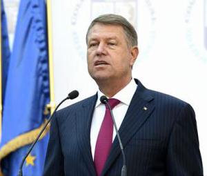 Preşedintele Iohannis cere Parlamentului reexaminarea legii privind catalogul şcolar online