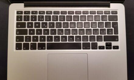 ISJ Cluj a distribuit peste 1.600 de laptopuri pentru elevi din 38 de licee