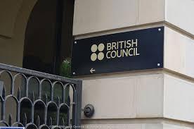 Peste 60 de universităţi din UK – la primul târg virtual de studii organizat de British Council pentru studenţii europeni