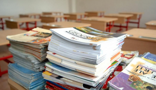 Etapa de evaluare a calităţii ştiinţifice a proiectelor de manuale şcolare a fost finalizată