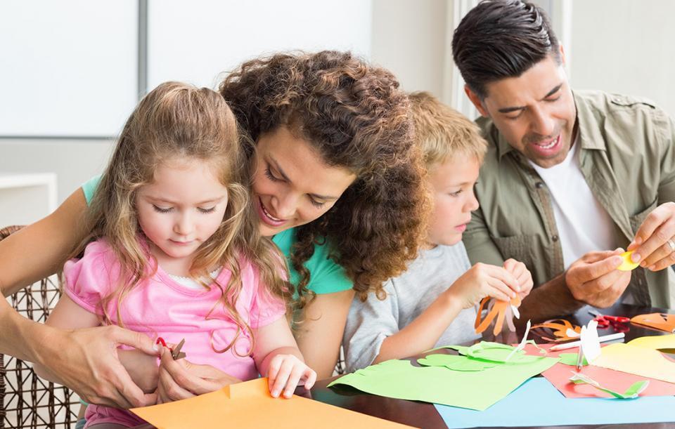 Lege promulgată: Zile libere pentru părinţi, dacă sunt suspendate cursurile şcolare fizice